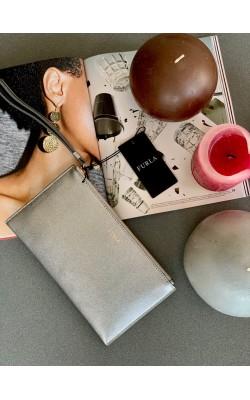 Серебристый кожаный кошелек-клатч FURLA