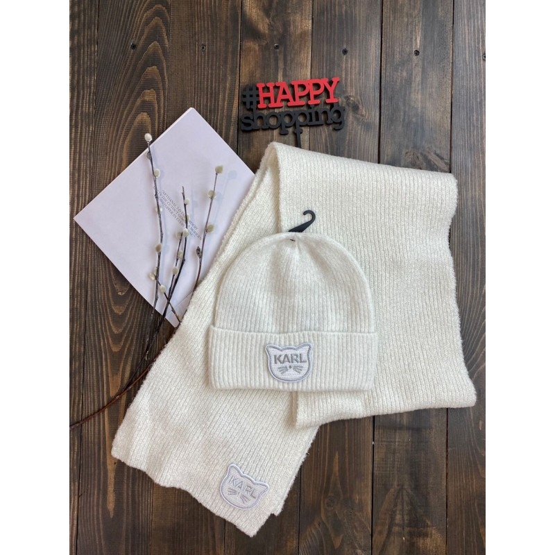 Белый комплект шарф+ шапка с лого  Karl Lagerfeld Paris