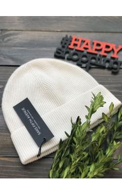 Белая кашемировая шапка Saks Fifth Avenue
