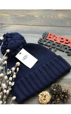 Темно-синяя шерстяная шапка UGG