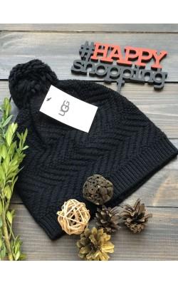 Черная шерстяная шапка UGG