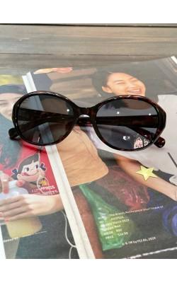 Солнцезащитные очки Uniqlo овальные темно-коричневые