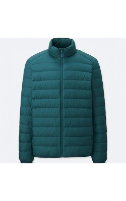 Зеленая ультралегкая куртка на пуху Uniqlo
