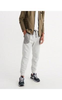 Светло-серые спортивные штаны Abercrombie & Fitch