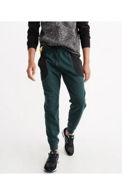 Зеленые спортивные штаны Abercrombie & Fitch