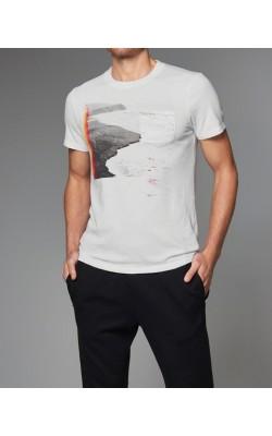Белая футболка с принтом Abercrombie&Fitch