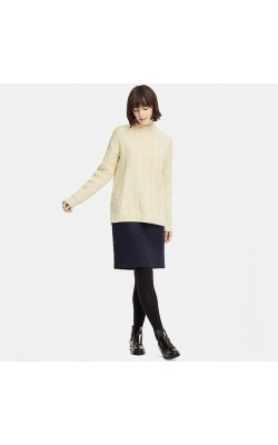 Светлый шерстяной свитер-туника Uniqlo