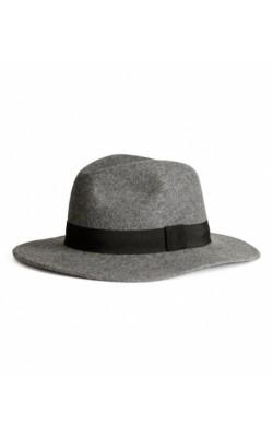 Серая шляпа H&M