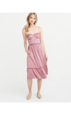 Розовое сатиновое платье  Abercrombie & Fitch