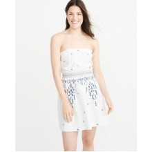 Белое  платье с вышивкой  Abercrombie & Fitch
