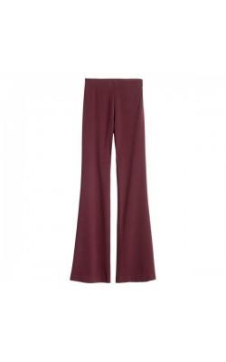 Бордовые расклешенные брюки H&M