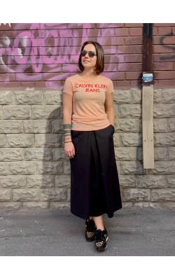 Персиковая футболка с принтом Calvin Klein Jeans