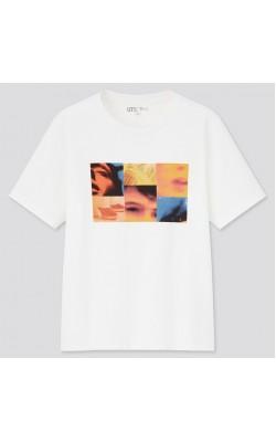 Белая футболка Uniqlo с принтом на груди