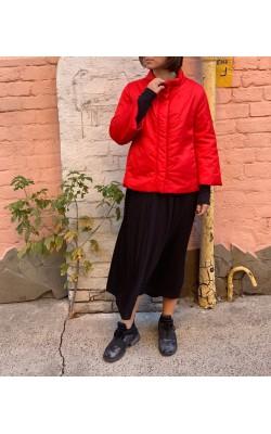 Красная куртка Merci