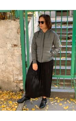 Оливковая легкая куртка на пуху Uniqlo