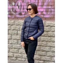 Темно-синяя куртка в горох от Uniqlo
