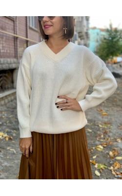 Светлый свитер с V-образным вырезом Uniqlo