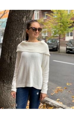 Белый  свитер Michael Kors