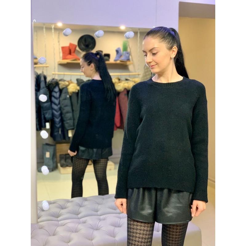 Черный свитер с круглым воротом Uniqlo