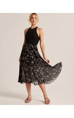 Черная юбка плиссе Abercrombie & Fitch в цветочный принт