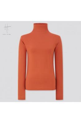 Оранжевый гольф Airism UV Cut от дизайнерской коллаборации Hana Tajima +Uniqlo