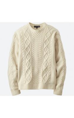 Cветлый свитер Uniqlo