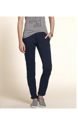 Темно-синие  джинсы Hollister