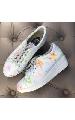 Светлые кроссовки с цветочным принтом Ruco Line