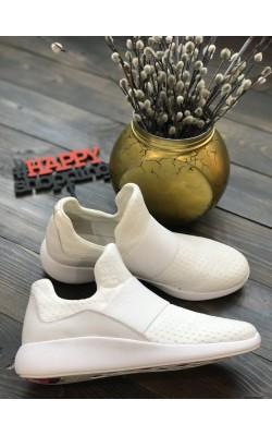 Белые  кроссовки Donna Karan