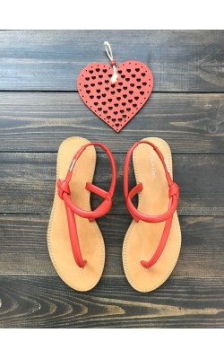 Красные босоножки Calvin Klein
