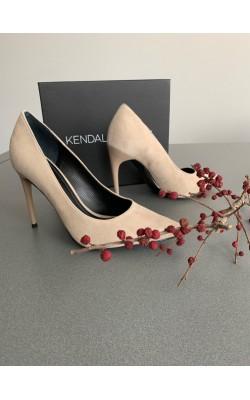 Нюдовые туфли Kendall+Kylie