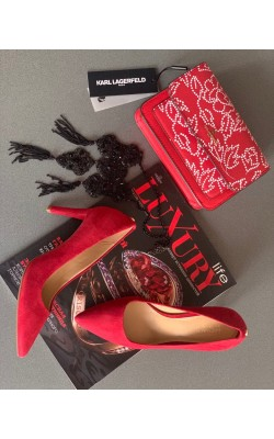 Красные замшевые туфли Michael Kors