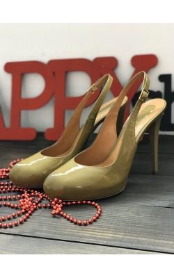 Бежевые лаковые туфли Lerre