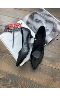 Туфли UNIQLO черные из искусственной кожи