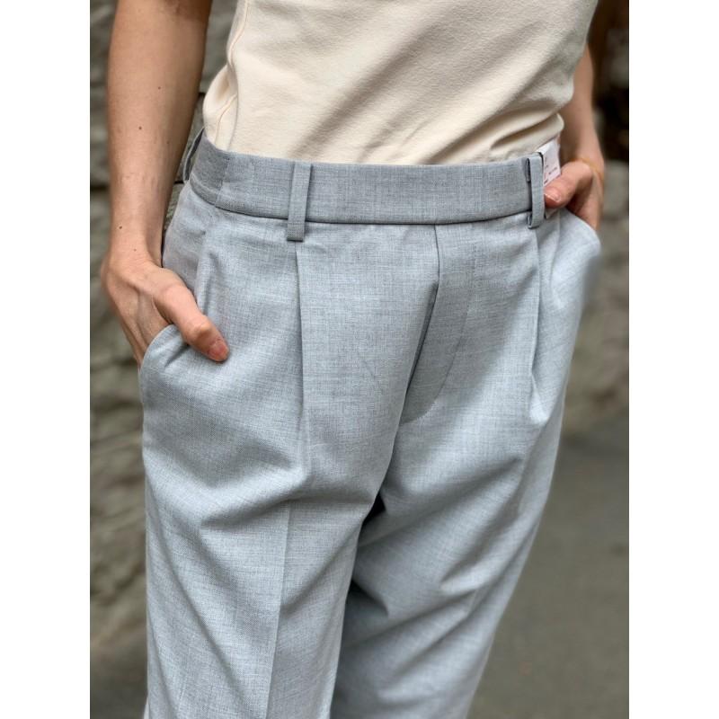 Cветло-серые укороченные брюки Uniqlo