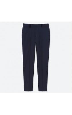 Укороченные брюки от Uniqlo в темно-синем цвете