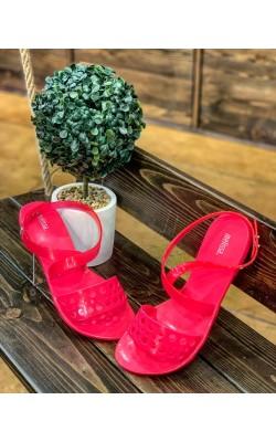 Ярко-розовые босоножки Melissa