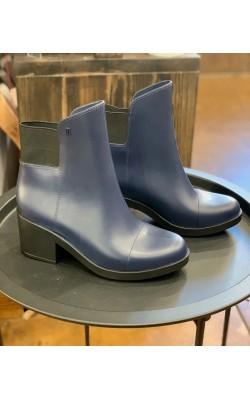 Темно-синие ботинки Melissa