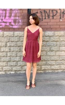 Бордовое ажурное   платье Abercrombie & Fitch