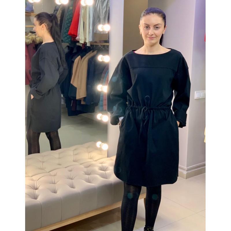 Черное объёмное платье Uniqlo U