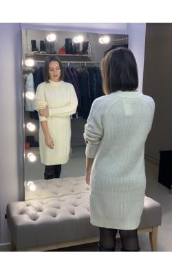 Светлое шерстяное платье Uniqlo