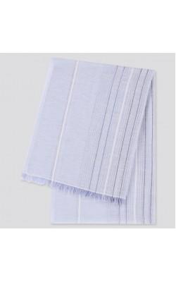 Нежно-голубой  шарф Uniqlo