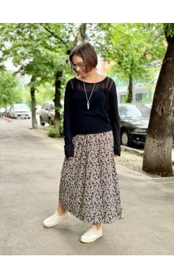 Бежевая юбка в черные цветы Uniqlo