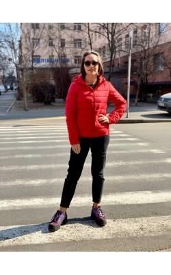 Куртка Uniqlo красная с капюшоном ультралегкая на пуху