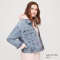 Джинсовая куртка Uniqlo светло-синяя oversized