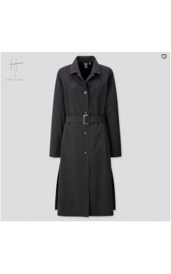 Легкое классическое черное пальто от дизайнерской коллаборацияи Uniqlo + Hana Tajima